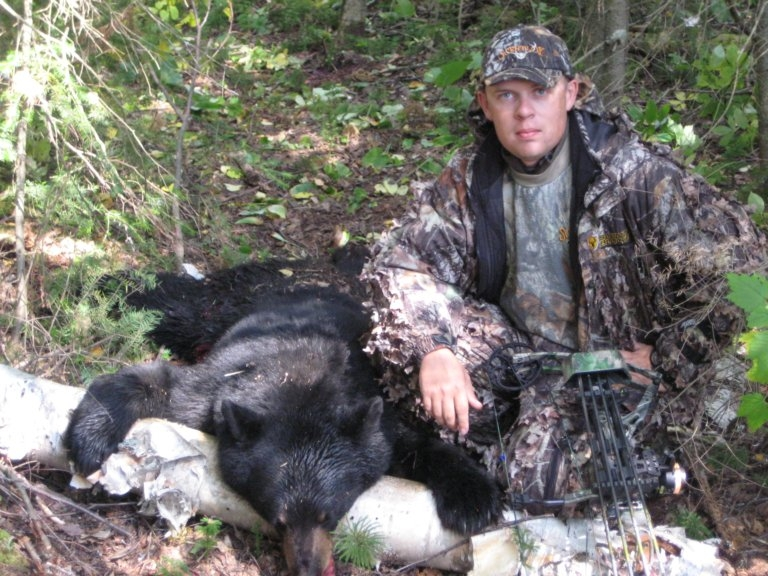 BEAR HUNT #4 08